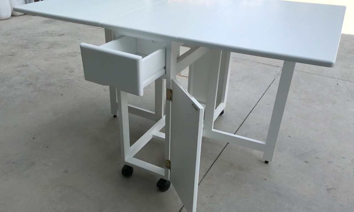 DINING LIPDA TABLE